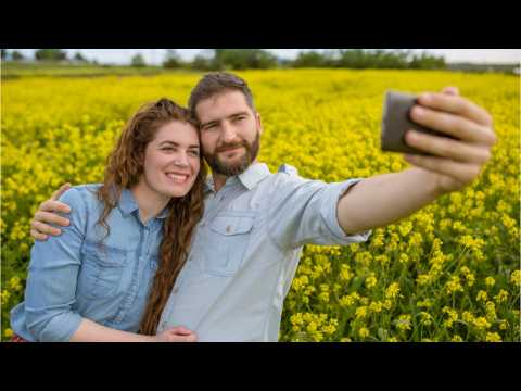 In Love? Don't Post These Things to Social Media