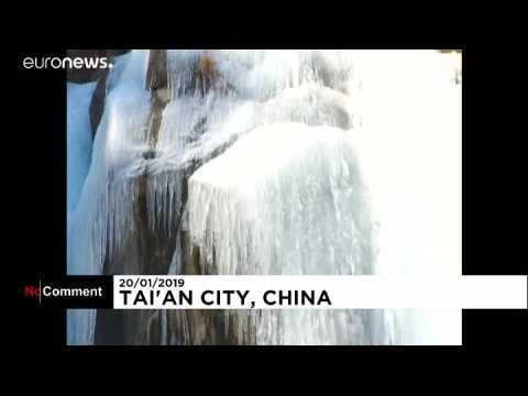 Des cascades prises par la glace