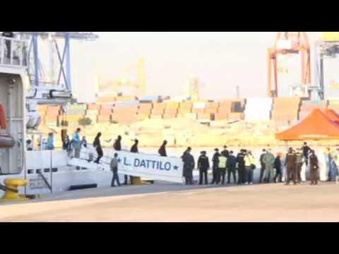 Migrants disembark from Aquarius rescue ship in Spanish port