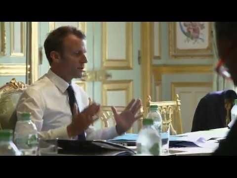"""Macron s'enflamme : """"On met un pognon de dingue dans les minima sociaux"""""""