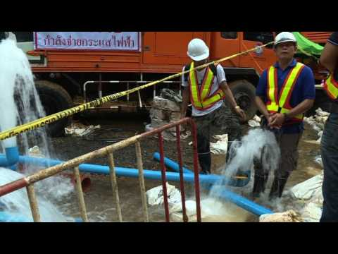 Rescuers race as rain threatens Thai boys in the cave