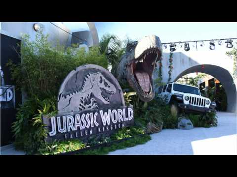 Jurassic World Finds A Way To $150 Million Opening