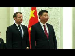Chine: le président Xi accueille Macron lors d'une cérémonie