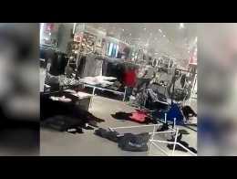 2f91eb3600b7d Afrique du Sud Des magasins H&M vandalisés à cause d'un sweat-shirt ...