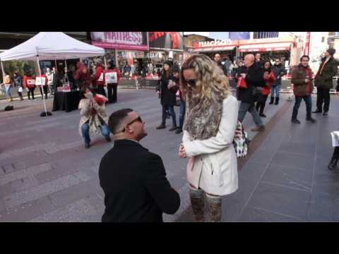 Couples celebrate Valentine's day in Times Square