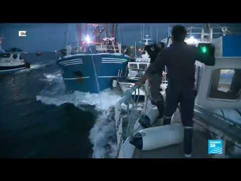 ''Scallop war'': French and British fishermen skirmish over shellfish