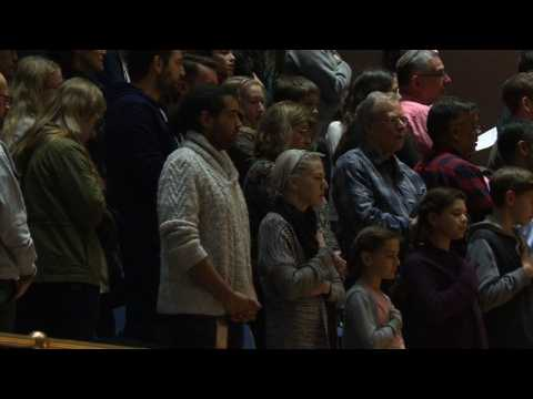 Thousands attend vigil for Pittsburgh synagogue victims