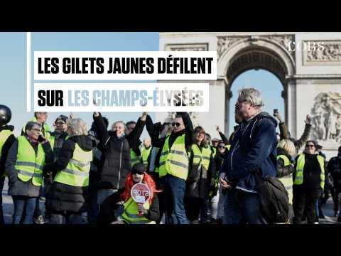 A Paris, les gilets jaunes ont défilé sur les Champs-Elysées
