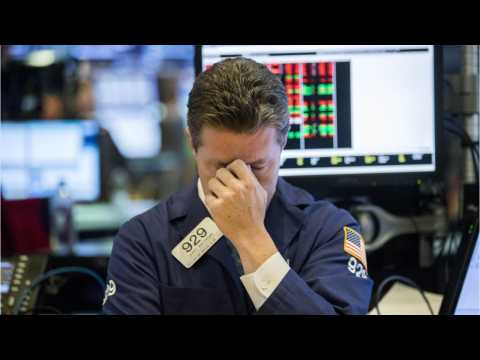 S&P 500 And Dow Fall Lower As U.S. Shutdown Possibility Looms