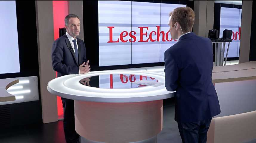 Illustration pour la vidéo « On ne peut pas accepter des scènes de guérillas urbaines à Paris », déclare Emmanuel Grégoire (Ville de Paris)