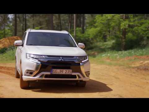 2019 New Mitsubishi Outlander PHEV Driving Video