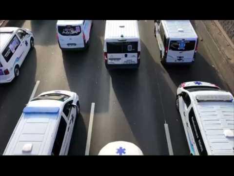 Santé : Plusieurs centaines d'ambulanciers manifestent à Paris