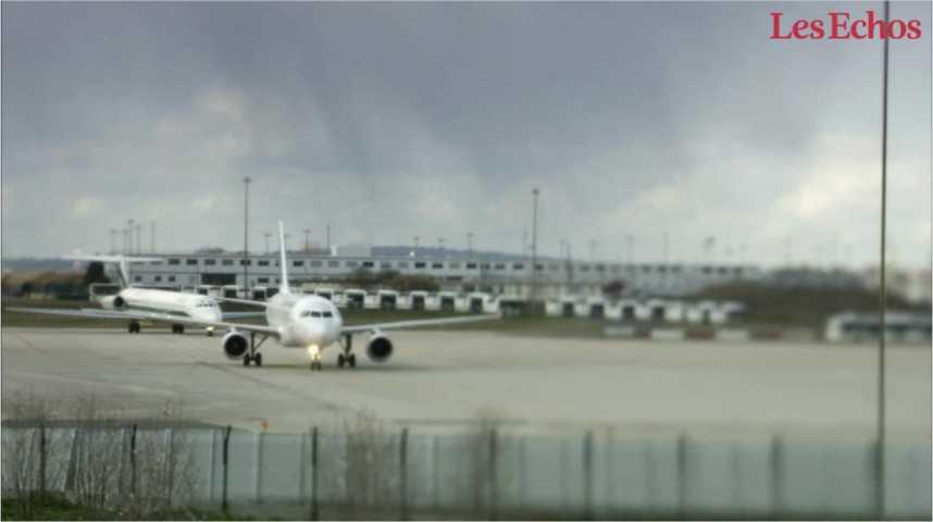 """Illustration pour la vidéo Le patron d'Air France veut des """"mesures d'urgences"""" dans les aéroports"""