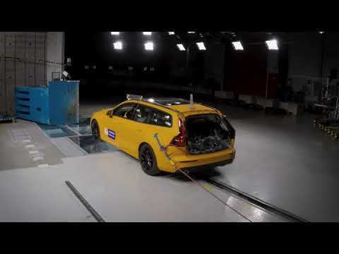 New Volvo V60 small overlap crash test