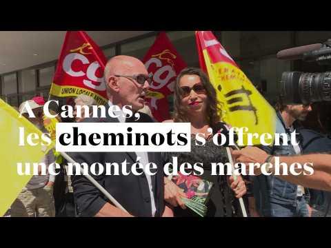A Cannes, les cheminots s'offrent une montée des marches