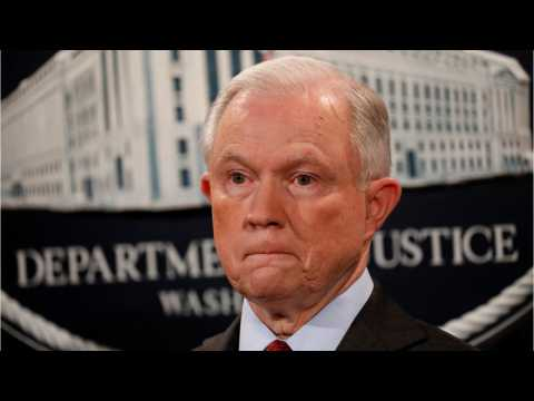 """Jeff Sessions Supports Trump NFL Tweets; Says Kneelers Made """"A Big Mistake"""""""