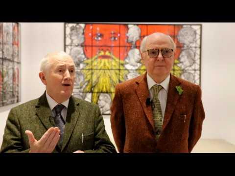 """""""Montrer le monde à travers la barbe"""" : Gilbert & George sur leur nouvelle exposition"""