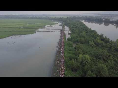 Cette vue aérienne de la fuite des Rohingyas va vous faire comprendre l'ampleur de la crise