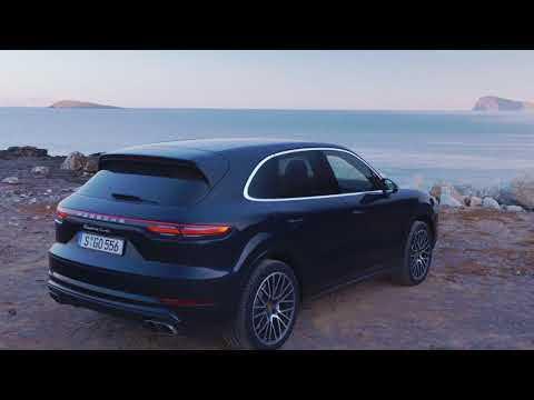 Porsche Cayenne Turbo Design in Moonlight Blue Metallic
