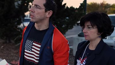 Ron And Laura Take Back America - bande annonce - VO - (2014)
