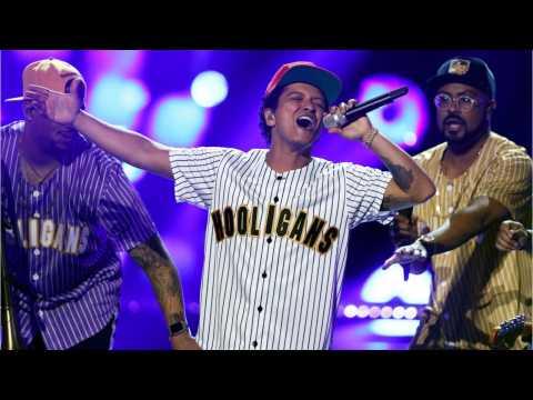 Bruno Mars Owns 2017 American Music Award Noms