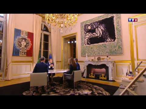 La décoration du bureau d'Emmanuel Macron vous choque ? - ZAPPING ACTU DU 16/10/2017
