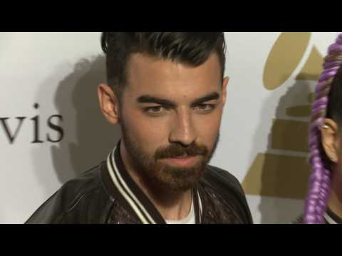 Love Life Lowdown: Joe Jonas