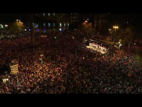 Catalans rally against separatist leaders' detention