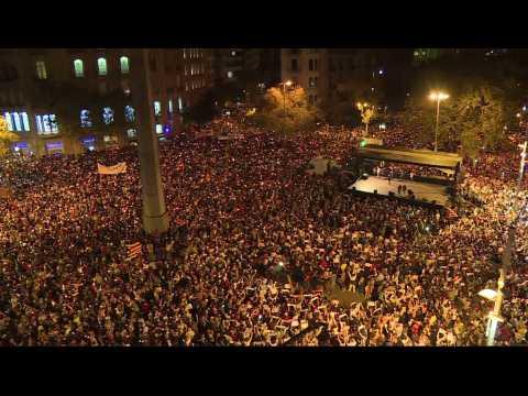 Catalogne : 200.000 personnes dénoncent l'incarcération de deux indépendantistes