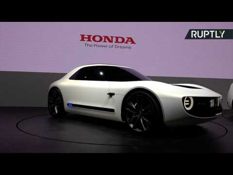 Honda and Toyota Display Latest Sports Car Concepts at Tokyo Motor Show