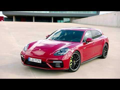 Porsche Panamera Turbo S E-Hybrid Sport Turismo in Carmine Red Design Hybrid Trackdays
