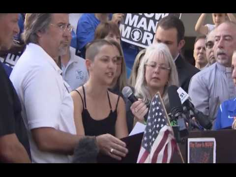 """""""Honte à vous"""" : une survivante de la fusillade de Parkland interpelle Trump et la NRA"""