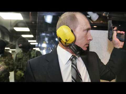 """""""Super-espion"""", """"multimilliardaire"""", """"ses femmes"""" ... les trois secrets de Poutine"""