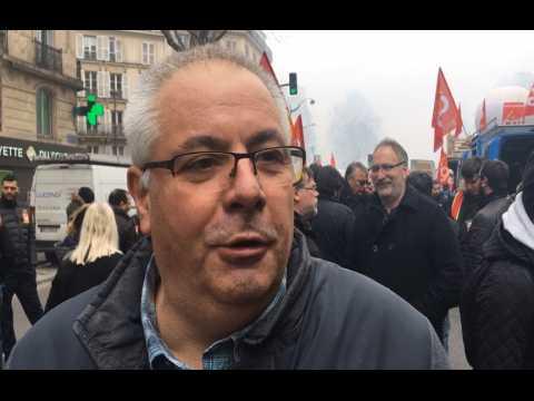 """Manifestation des cheminots : """"Ce gouvernement est en train d'anéantir le service public"""""""