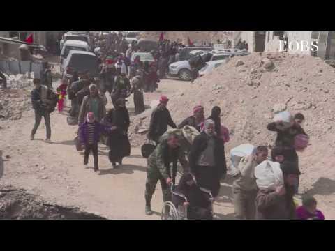 Syrie : l'exode de civils de l'enclave rebelle de la Ghouta