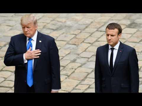 Macron accueille Trump aux Invalides