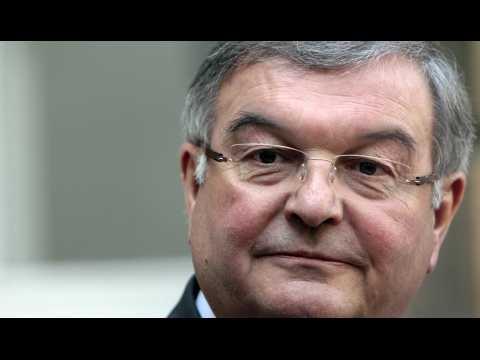 Michel Mercier soupçonné d'emplois familiaux fictifs : ce que contient l'enquête