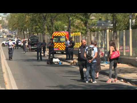 Marseille : un véhicule fonce sur deux Abribus