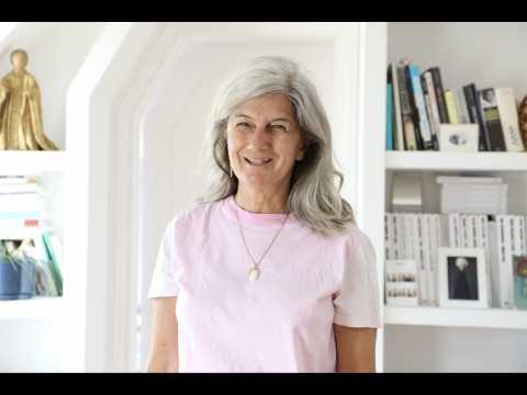 """""""Les cheveux blancs... C'est splendide !"""" : Sophie Fontanel raconte son """"going gray""""."""