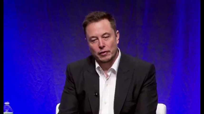 Illustration pour la vidéo Elon Musk teste l'ascenseur pour voiture de son projet « Boring Company »