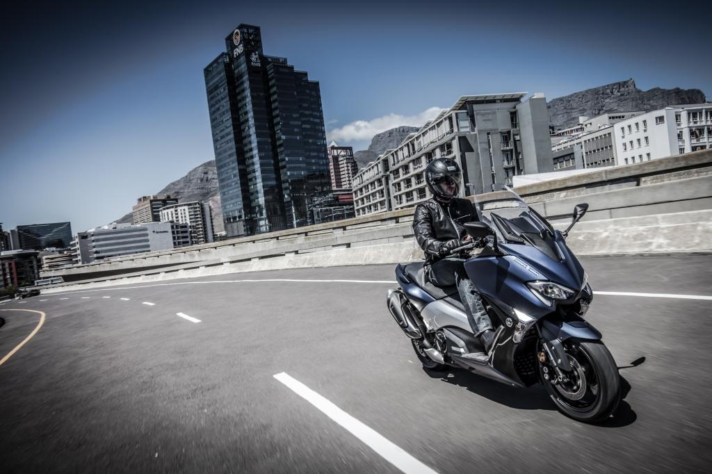Populaire 2 Roues essais : Yamaha TMAX 530 DX Euro4 - sur Orange Auto KH93