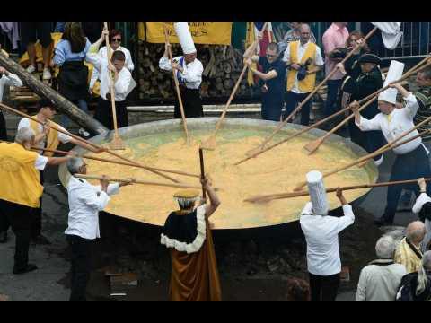En Belgique, une omelette géante de 6.500 oeufs garantis sans fipronil