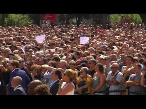 Barcelone : la minute de silence pour les victimes avec Mariano Rajoy et le roi Felipe VI