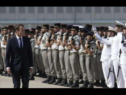 Macron promet une augmentation du budget de la Défense dès 2018