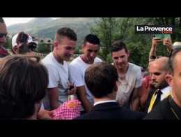 Tour de France : bain de foule pour Macron à Serre-Chevalier