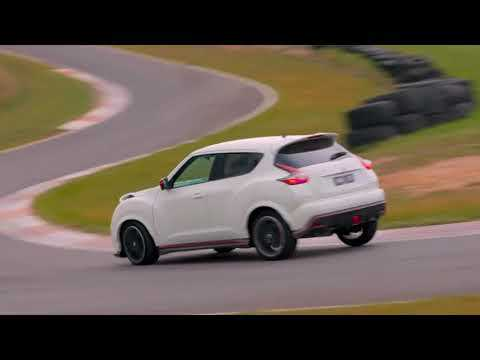 Nissan JUKE RS NISMO Driving on the track