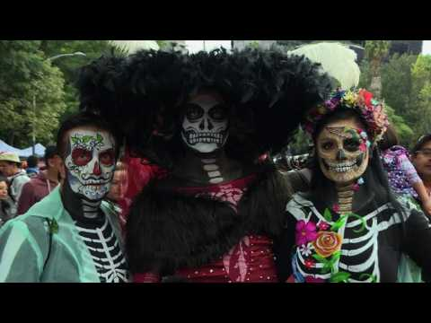 Mexicans dress up as 'Catrina' ahead of Day of the Dead