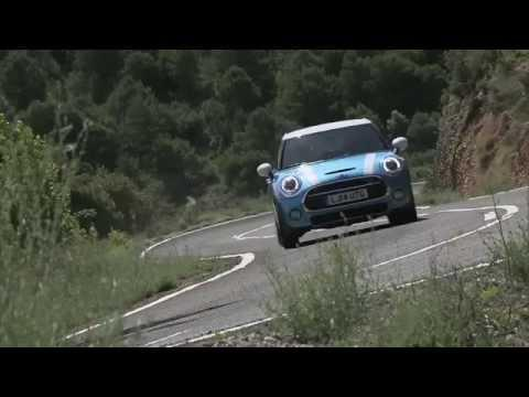 MINI Cooper 5 Door Trailer | AutoMotoTV