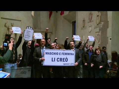 Protest disrupts vote on civil unions for gay couples in Rome