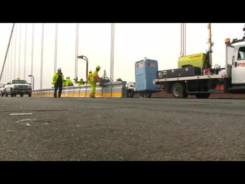 Pedestrians get close-up view of Golden Gate Bridge construction